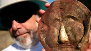 Ancient Thracian Golden Mask Unearthed in Bulgaria