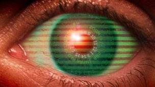 Bionic contact lens 'to project emails before eyes'