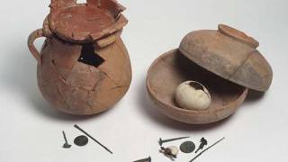 2,000 year old egg found in newly discovered ancient Roman pots
