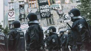Leftist riot in Berlin: Over 120 policemen injured, 86 civilians arrested