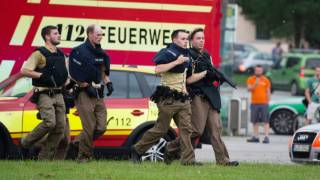 Shooting rampage in Munich: Multiple deaths & attacks reported, gunmen at large