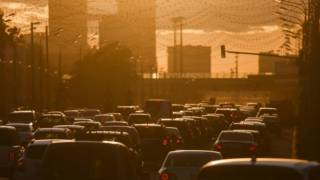 Scientists Link Higher Dementia Risk to Living Near Heavy Traffic