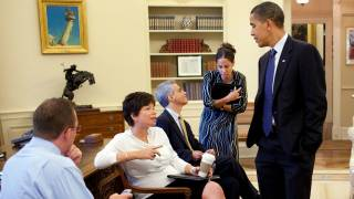 Barack Obama Advisor Valerie Jarret Moves into His New DC Home to Help Plan Trump Opposition