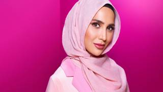 L'Oreal Features Hijab-Wearing Amena Khan in 'Game Changing' New Hair Campaign