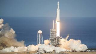SpaceX Launches World's Biggest Rocket