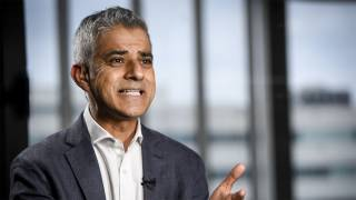 After Murder Rate Passes NYC, London Mayor Sadiq Khan Calls for Sharper Knife Control