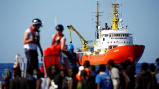 Spain to Take Migrants After Italy Turns Away the Ship 'Aquarius'