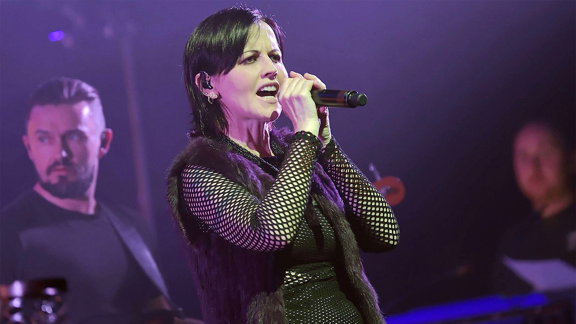 Cranberries Lead Singer Dolores O U0026 39 Riordan Dies Suddenly