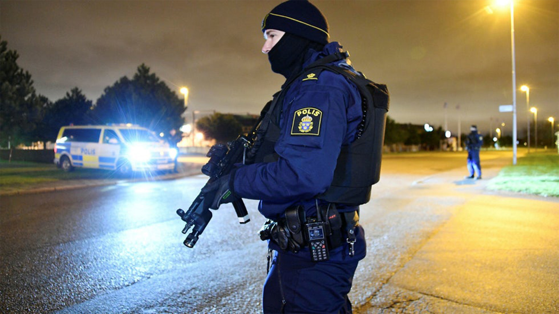 Swedish Police in Malmö Now Armed with Machine Guns to Take Back